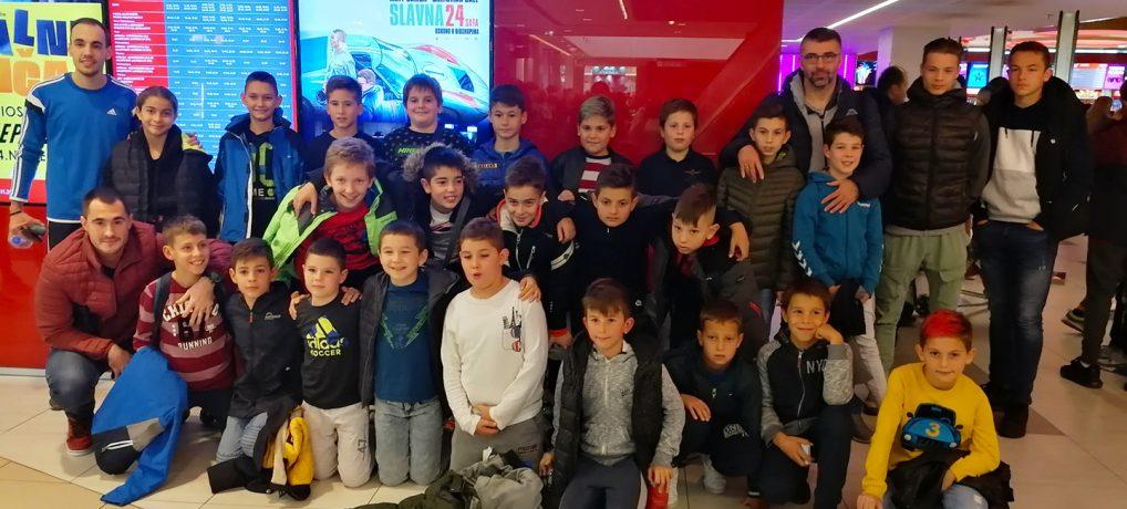 """Mi smo EKIPA – Druženje """"Starovaca"""" u bioskopu!"""