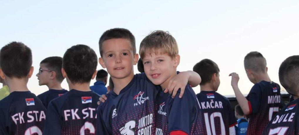 Moša i Tirke sa Jelovca   Mi smo Žile i Teki i volimo fudbal!